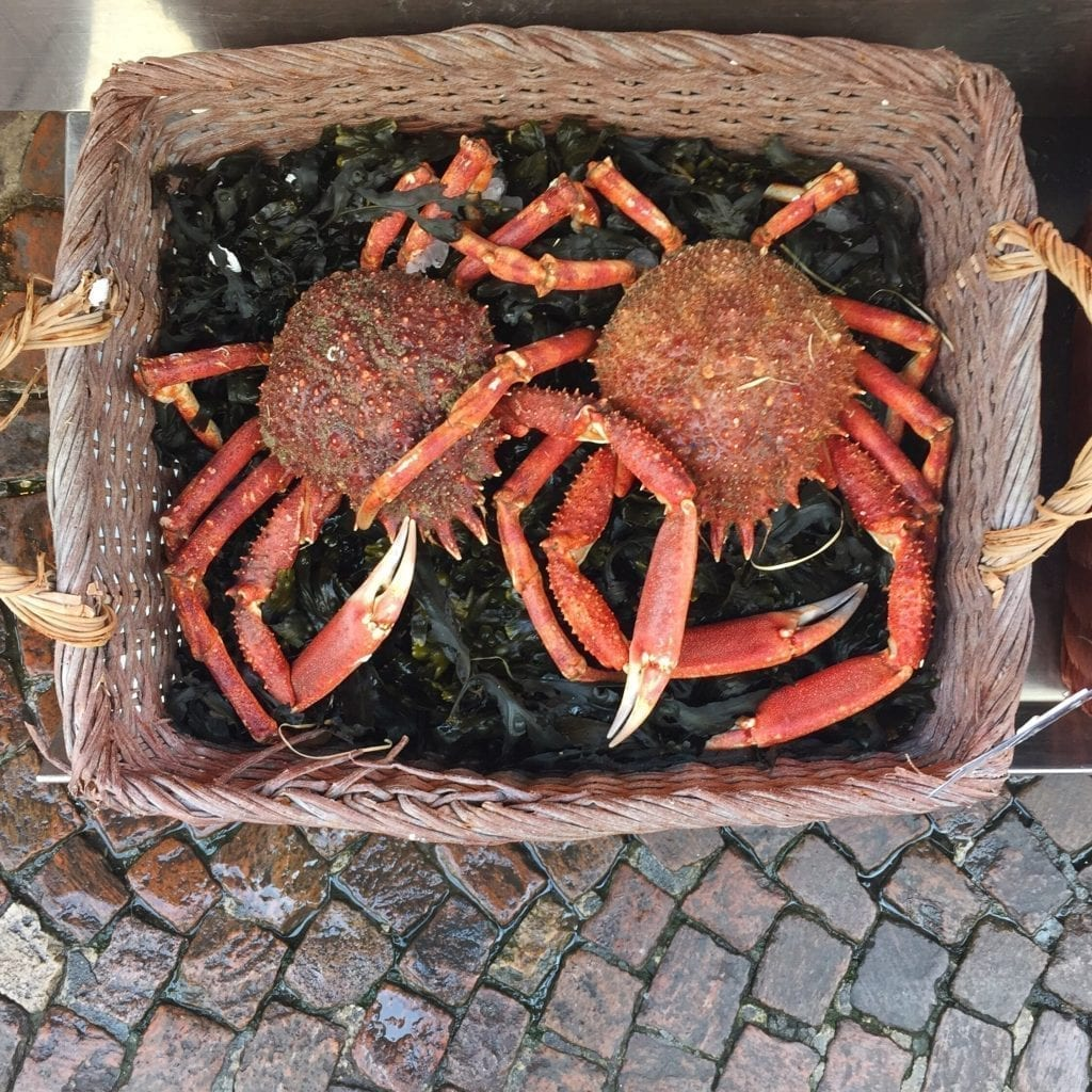 Crabs (Live or Cooked)